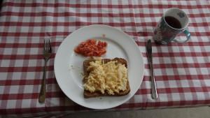 (マザーが用意してくれた最初の朝食)